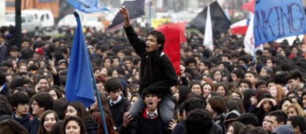 Los estudiante chilenos celebran la medida