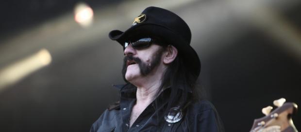 Lemmy morreu aos 70 anos, vítima de câncer