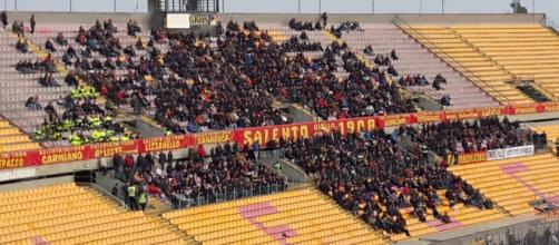 """Il Lecce affronta il Messina al """"Via del mare""""."""