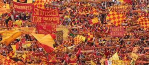 Il Lecce gioca contro il Messina.