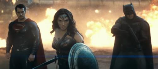 Nuevo tráiler y sinopsis de 'Batman v Superman'
