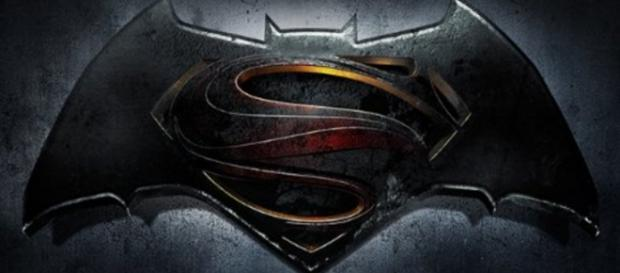 A batalha Batman vs Super-Homem tem trailer novo.