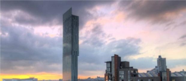 Este arranha-céus é o maior de Manchester.