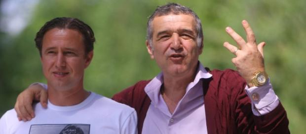 Laurențiu Reghecampf se întoarce la Steaua