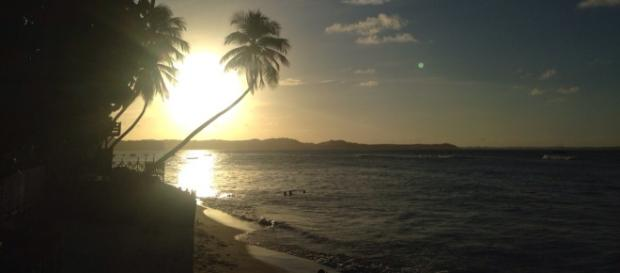 Praia do Centro vista da Praia do Amor