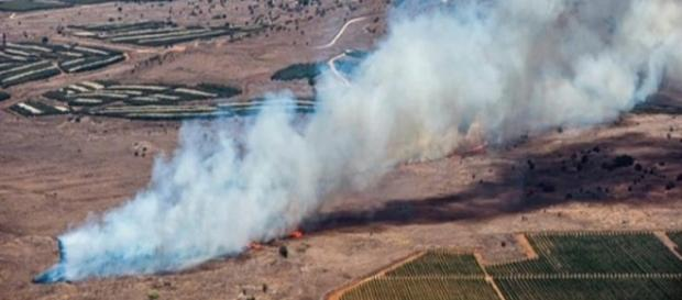 rastro de fumaça deixado pelo avião russo na queda