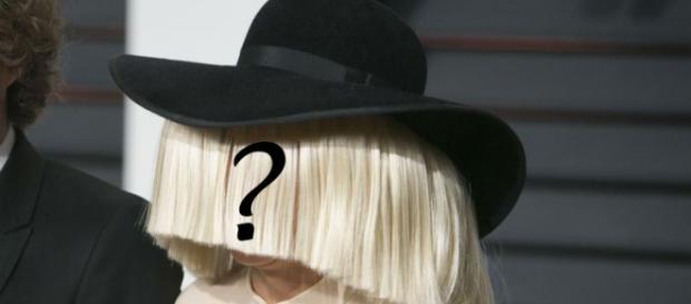 Sia, en una de sus apariciones públicas
