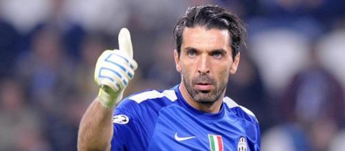 Gigi Buffon non è ancora stanco di stupire