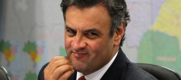 Aécio Neves é acusado de receber propina
