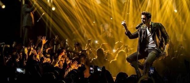 Luan Santana ficou em 1º lugar no Brasil Hot 100