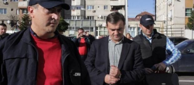Mihai Stefanescu in arestul politiei