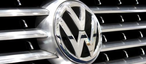 Azienda auto Volkswagen chiede prestiti.