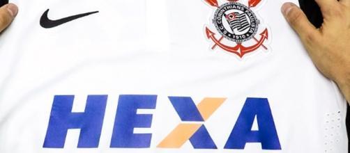 O nome do patrocinador é substituído pelo Hexa