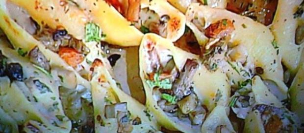 Conchiglioni con zucca, porcini, besciamella