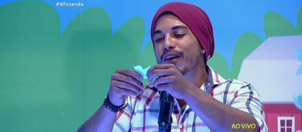 Douglas Sampaio (Reprodução/Record)
