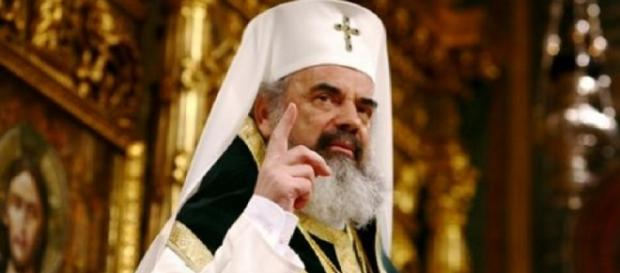 Cioloș lasă Biserica fără bani în 2016