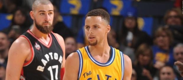 Imagen del último duelo entre Warriors y Raptors