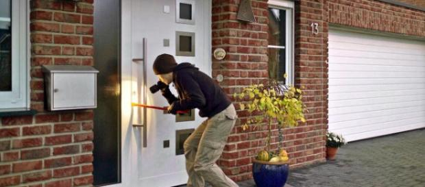 Saiba como proteger sua casa de ladrões