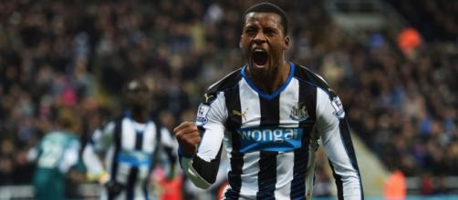 Giorginio Wijnaldum celebrating his goal