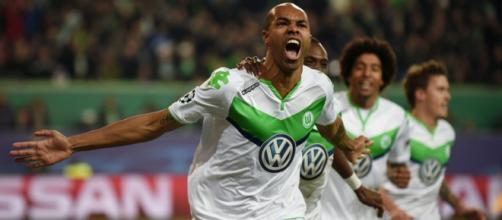 Naldo celebrating his second goal