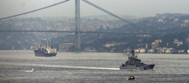 3 Navios da Otan estão no estreito de Bósforo