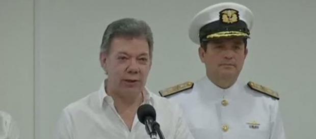 Juan Manuel Santos da Colômbia e galeão espanhol