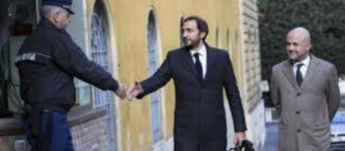 Emiliano Fittipaldi, Gianluigi Nuzzi e e l'agente
