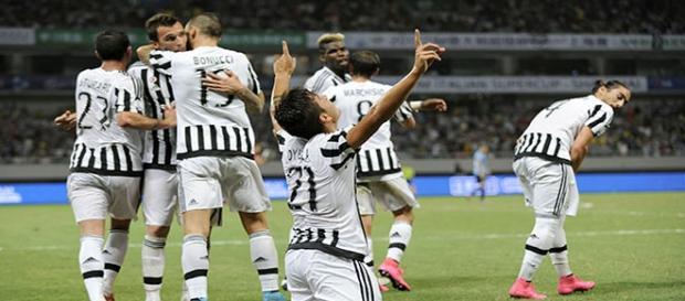 Dybala, celebrando un con con la Juventus