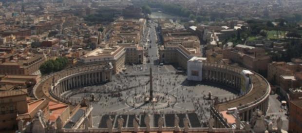 Piazza San Pietro, in Vaticano.
