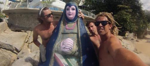 Adam Coleman, a la derecha, en Acapulco