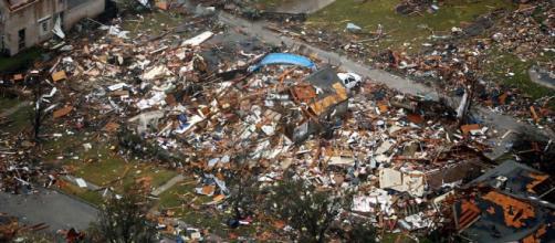 Case distrutte dal tornado a Garland