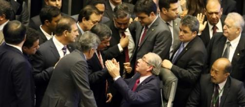 Eleita a hapa da oposição para o impeachment