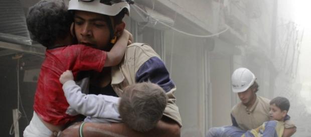 A coligação tem bombardeado a Síria.