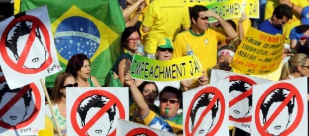 Rousseff, il secondo mandato è in bilico