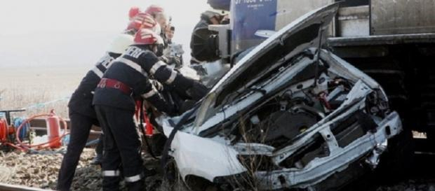 Trei oameni au murit intr-un accident de tren