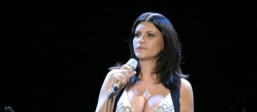 Laura Pausini en una de sus actuaciones