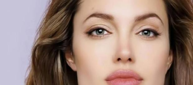 Actrita Angelina Jolie, in topul listei