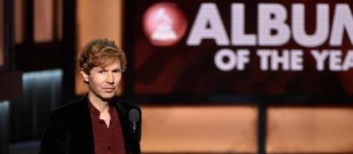 Grammy de melhor álbum do ano entregue a Beck