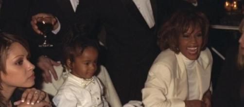 Una foto di Bobbi Kristina e Whitney nel 1996
