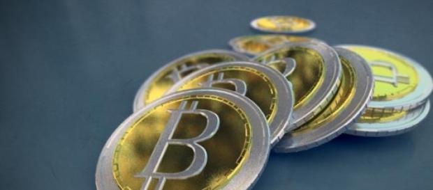 Bitcoin , stabilitate financiara
