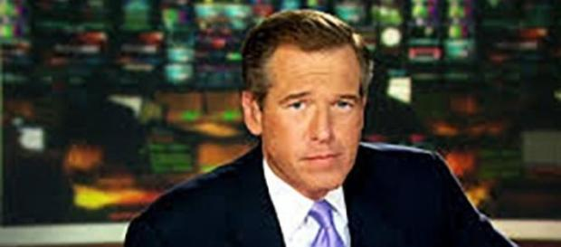 Brian Williams présente Nightly News sur NBC.