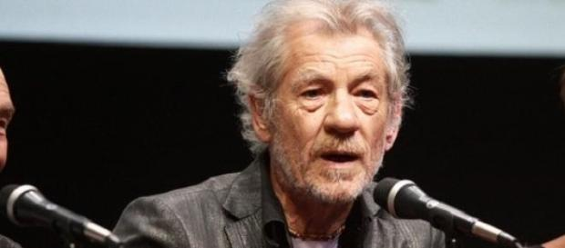 "McKellen plays Sherlock Holmes in ""Mr Holmes"""