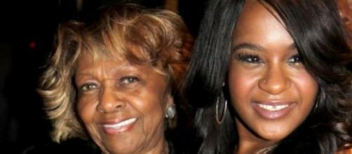 Cissy Houston e a sua neta Bobbi Brown