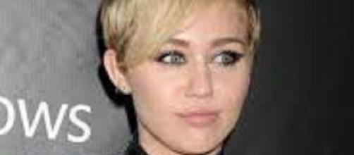 Miley Cyrus vinculada al cine para adultos