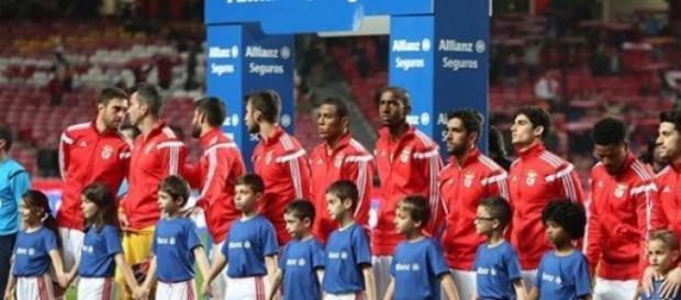 11 encarnado (fonte: facebook do S.L. Benfica)