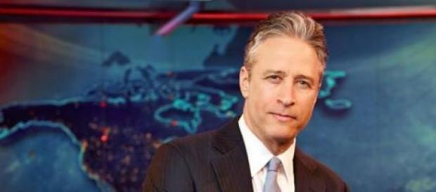 Jon Stewart apresenta o The Daily Show desde 1999
