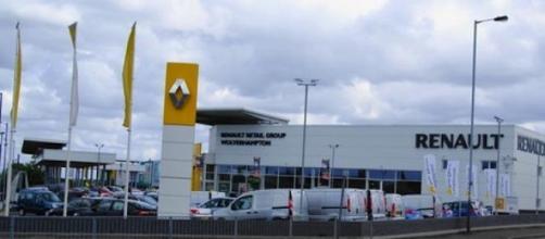 Renault embauchera 1000 personnes en CDI en 2015.