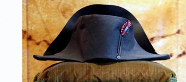Bicórnio, um do 15 chapéus de Napoleão existentes