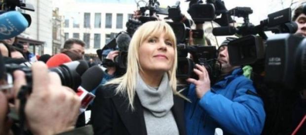 Elena Udrea zambeste in ciuda problemelor!