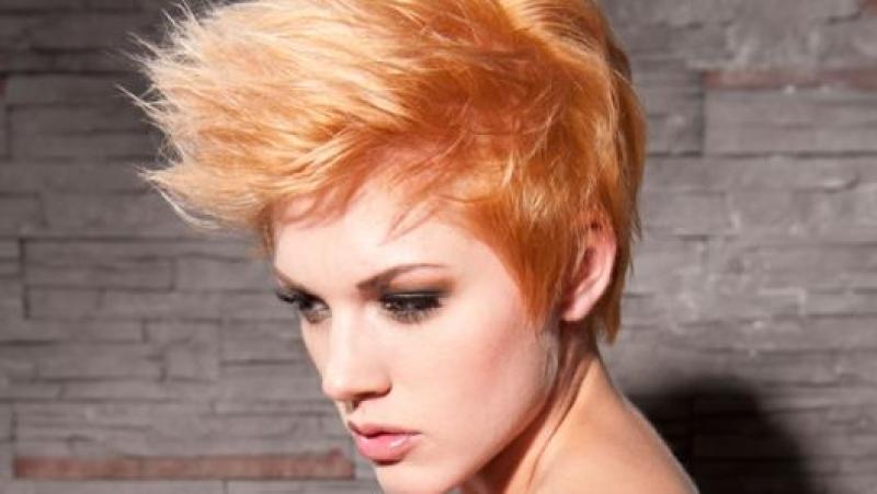 Foto tagli capelli anni 80